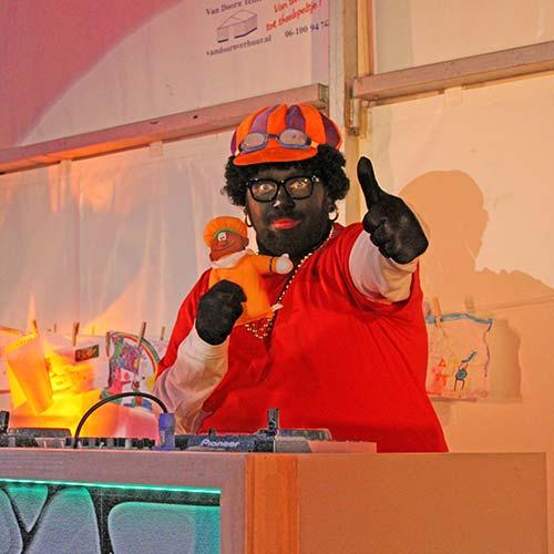DJ Piet Deejay zwarte piet huren