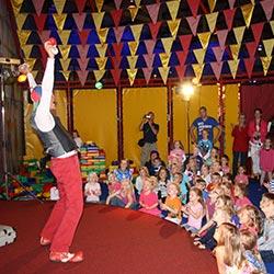 Kindershow bij KidZcity Utrecht