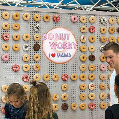 Donut wand moederdag uitdeelactie